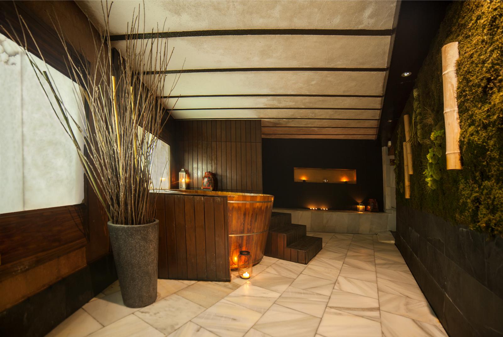 Antiguamente, los 'ofuros' se calentaban con una estufa de leña integrada en la estructura de la bañera © Las Recreativas