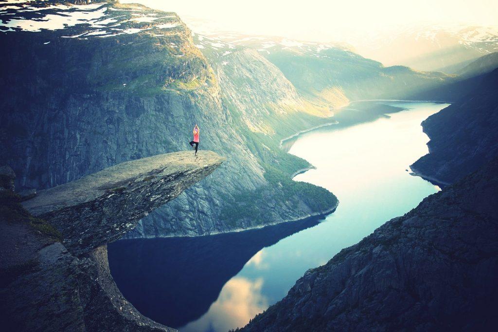 El yoga nos ayudará a liberar nuestra mente del estrés.