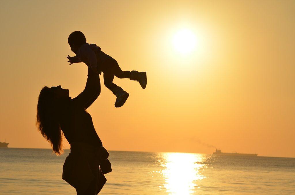 Practicar ejercicio diario te hará darte cuenta a ti y a tu familia de la importancia de la salud física.