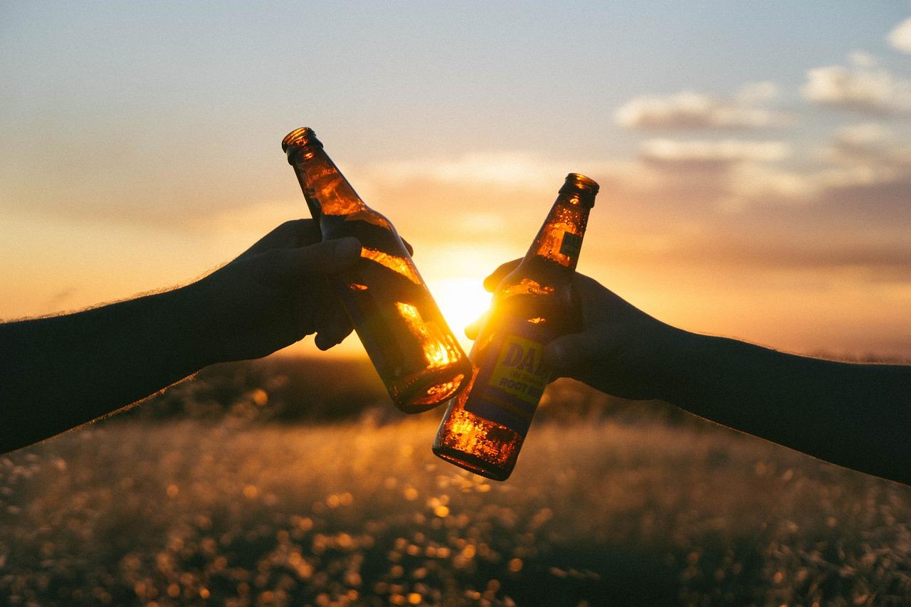 Compartir una cerveza con amigos aumenta nuestra dopamina