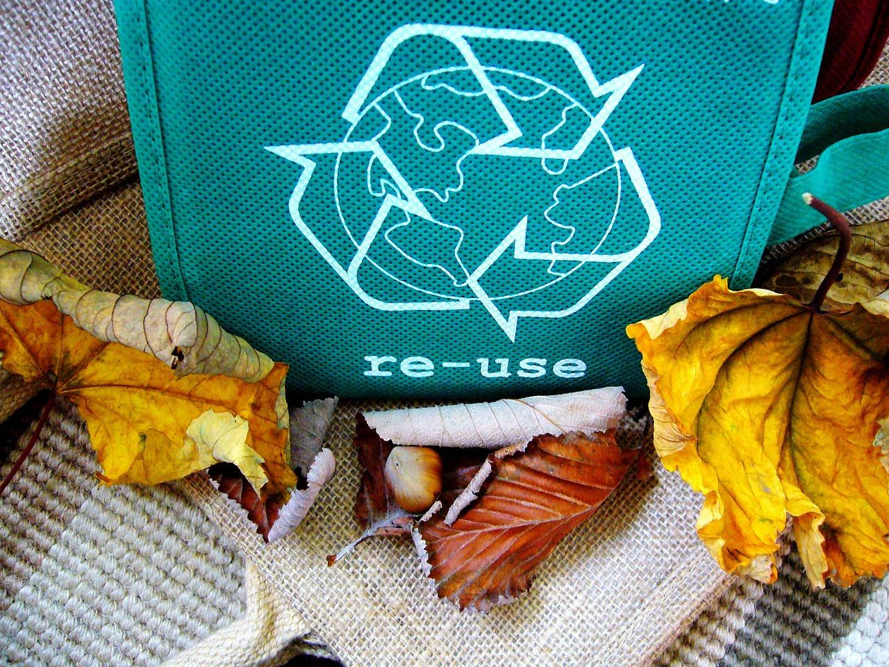 Reciclar es una de las acciones más importantes que, a pequeña escala, podemos llevar a cabo para luchar contra el calentamiento global