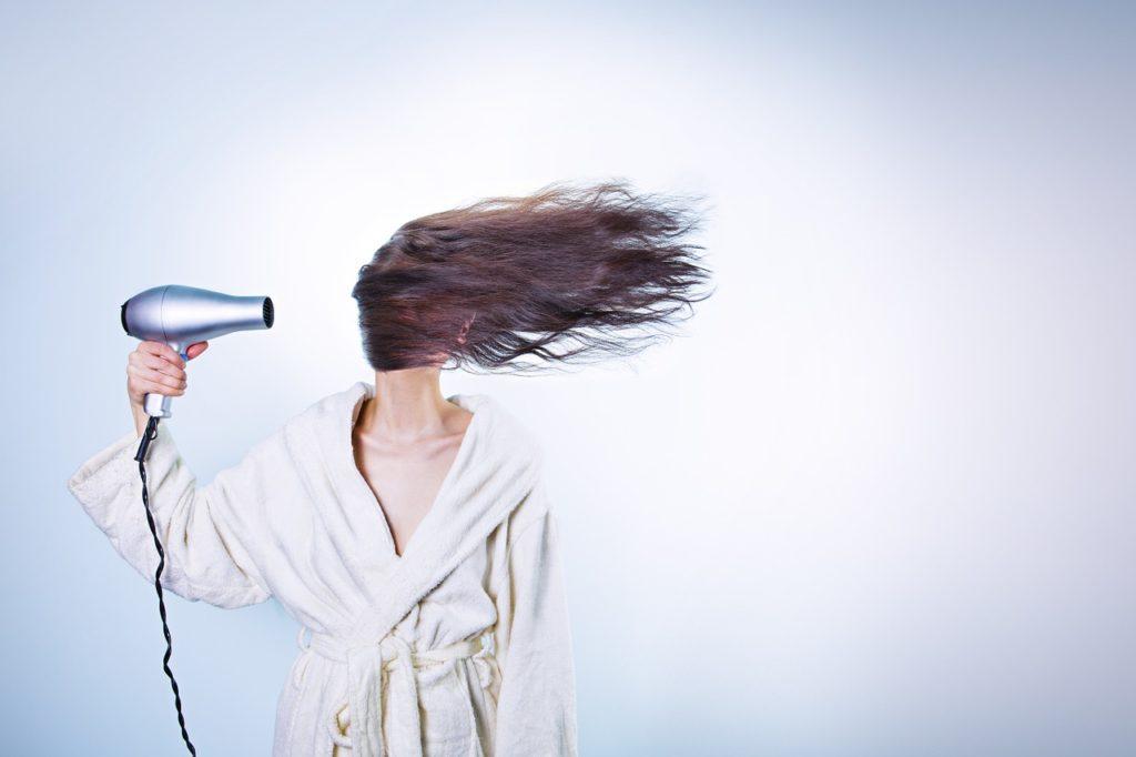 ¿Cansada de que se te caiga el pelo en otoño? ¡Con estos remedios caseros de Espacio Z podrás mantener tu pelo fuerte y sano!
